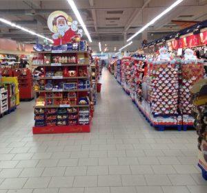 Warenhaus Konsumwelt zu Weihnachten